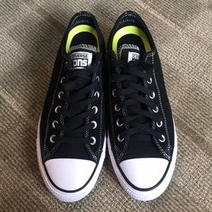 Converse size 7.5, brand new, never worn